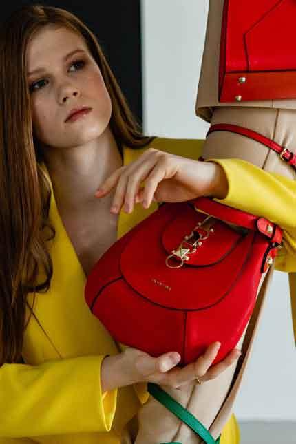 Дизайнерская сумка Cromia 1404601 rosso из коллекции весна-лето 2020 года купить в Интернет-магазине Cromia-shop.ru