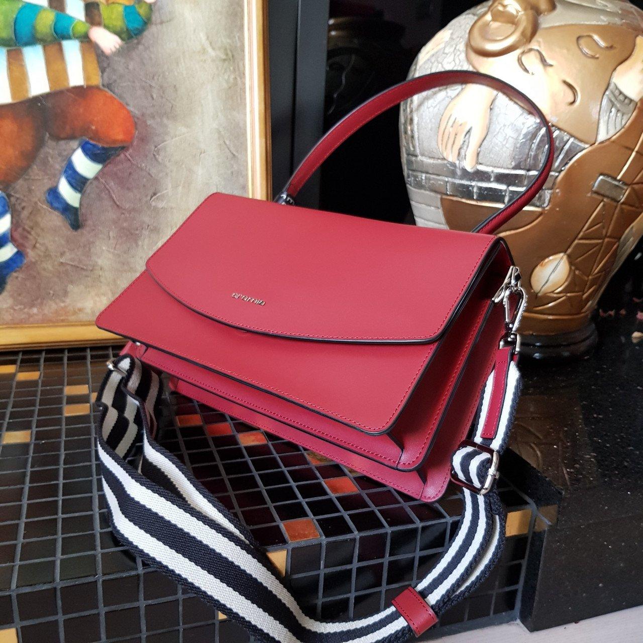 Женская кожаная сумка Cromia 1404667 BORDEAUX из натуральной кожи