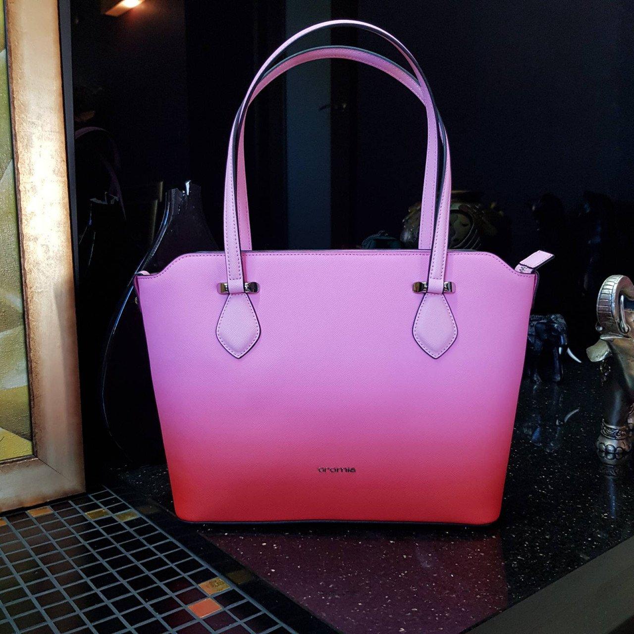 Женская кожаная сумка Cromia 1404473 FUXIA