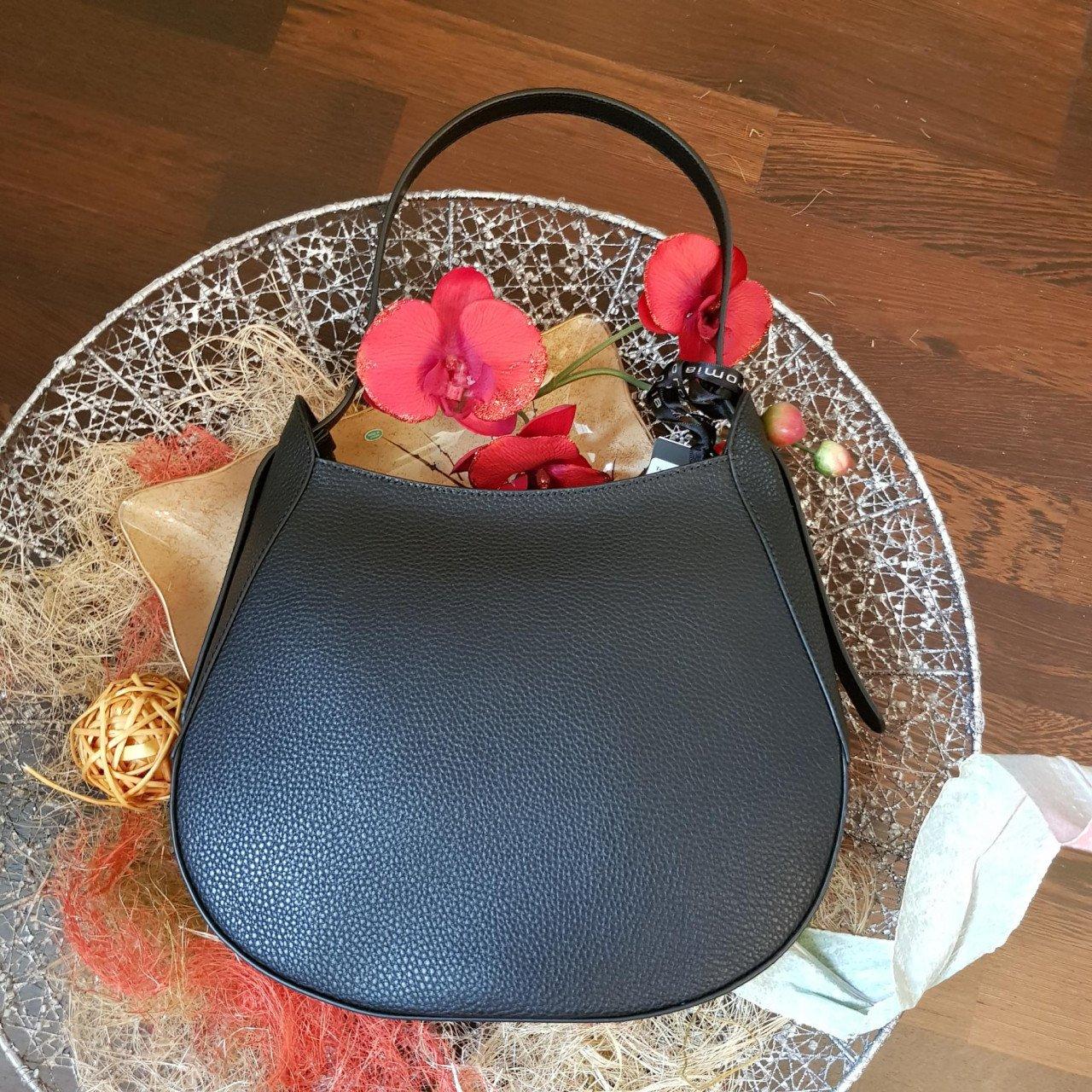 Женская кожаная сумка Cromia 1404837 NERO из натуральной кожи