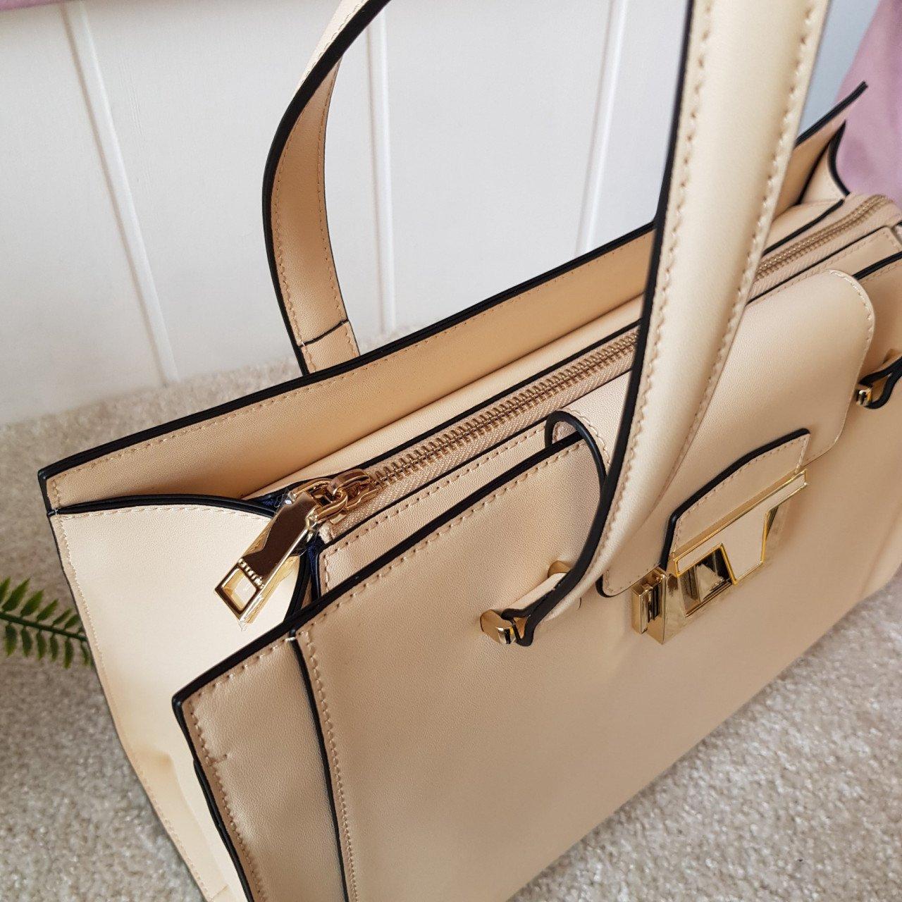 Женская кожаная сумка Cromia 1404854 CREMA из натуральной кожи