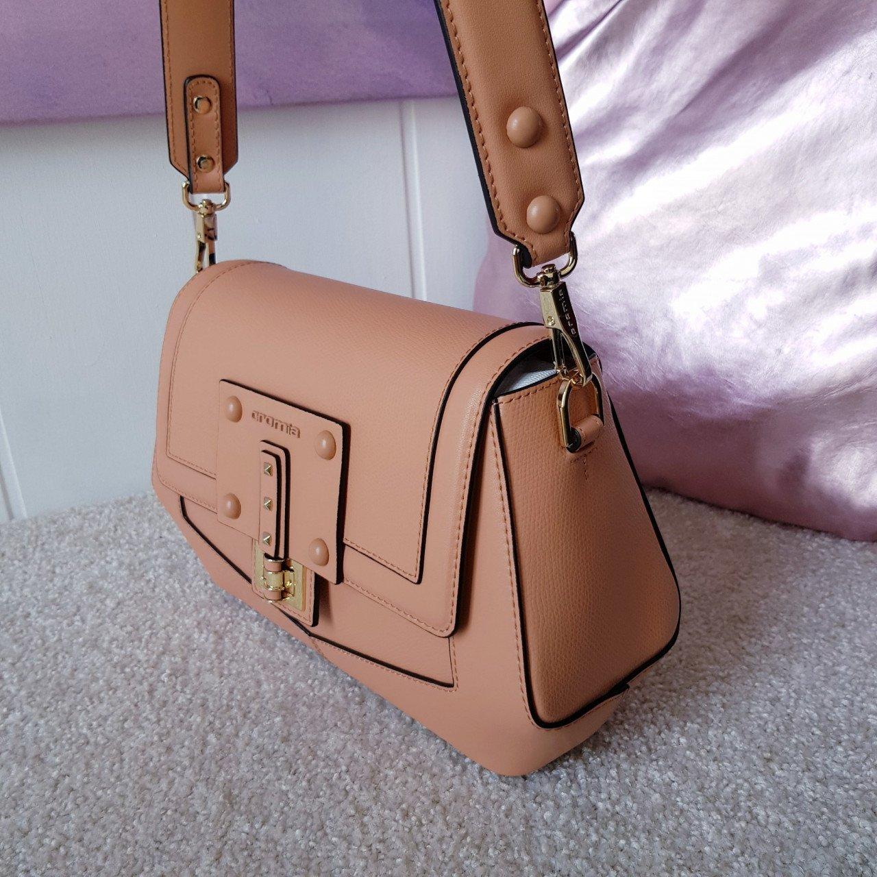 Женская кожаная сумка Cromia 1404865 DESERTO из натуральной кожи
